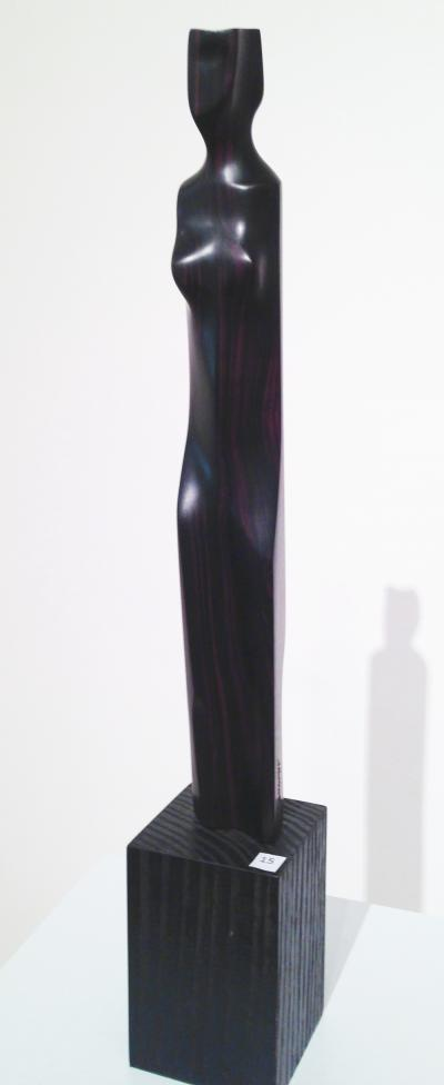 15- Black Widow, Ebony Wood, 35 cm