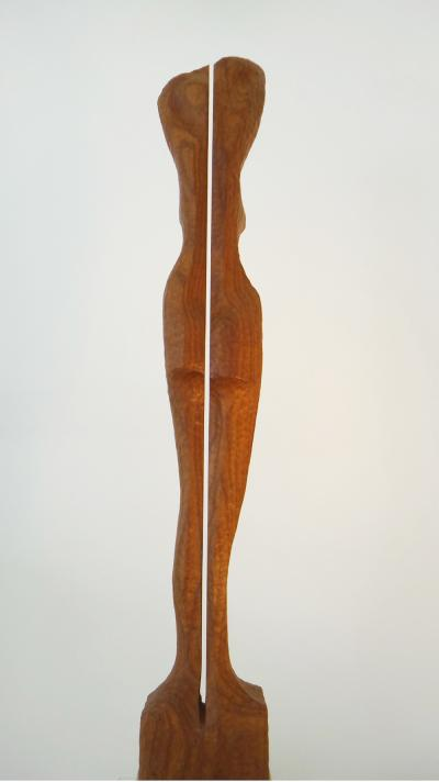 16- Divided, African wood, 62 cm.