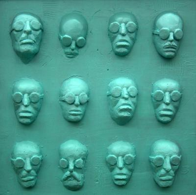 Faces 3, 2016, colored resin, 20x20 cm