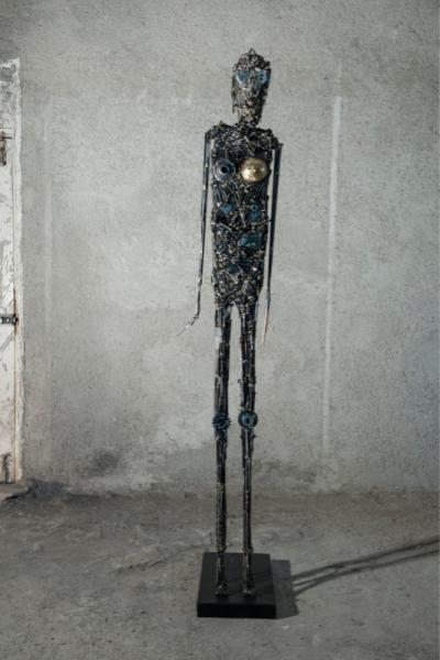Untitled, 2010-2011, iron and copper, 35 x 65 x 217 cm