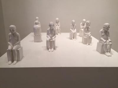 Audience, 2016, Resin, 20x6.5 cm